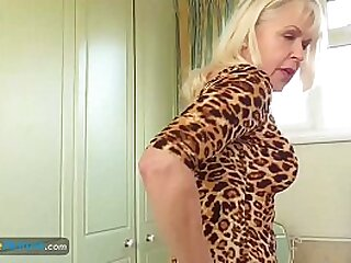Compilation of nice matures and hot milfs solos